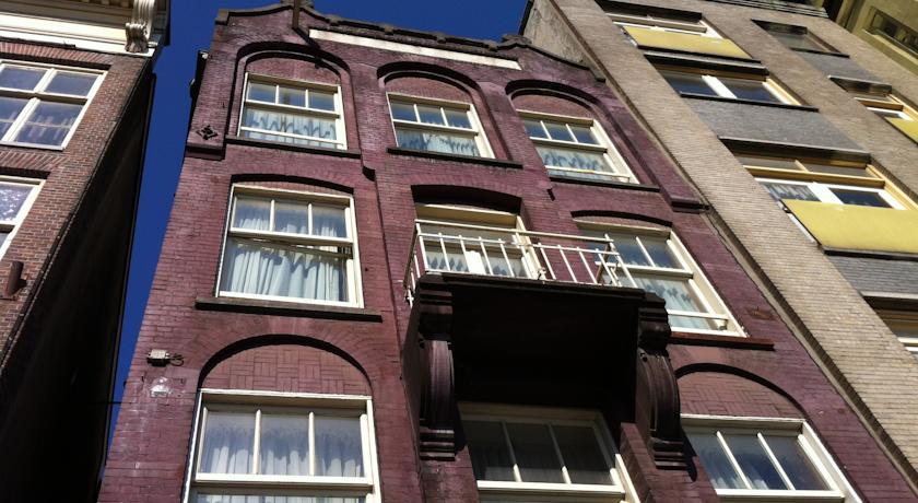 Budget Hotel The Orange Tulip Damrak Amsterdam Book Now Pay Later